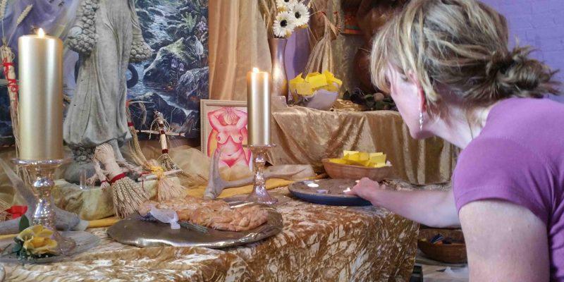 Lichtgidsen Karin Glastonbury Goddess Temple